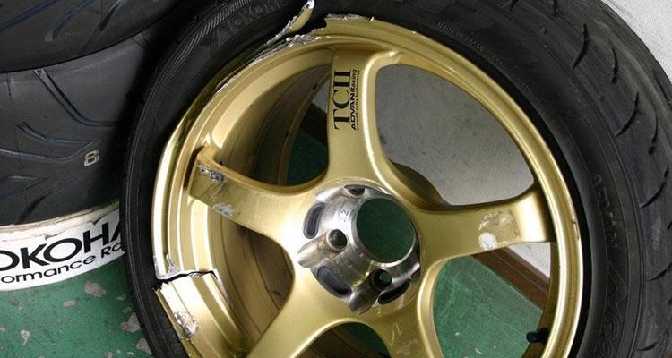 литой диск после ямы