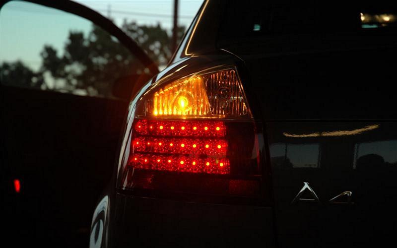 мигание аварийного сигнала автомобиля
